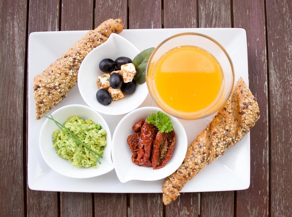 breakfast-1804436_1280